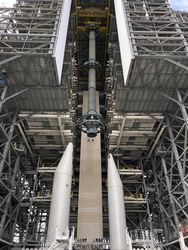 Montée du corps central au-dessus des boosters